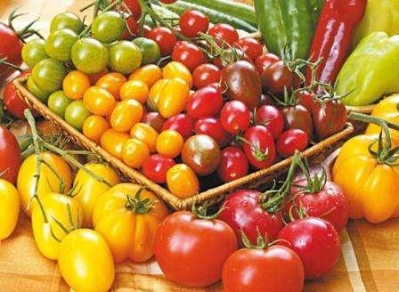 Впереди новый посевной сезон, и дачники с фермерами задаются таким вопросом: какие томаты будем сажать в 2017 году?