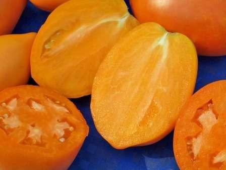 Плоды очень ароматные и сладкие, так что поедаются прямо с куста — до стола часто не доживают.