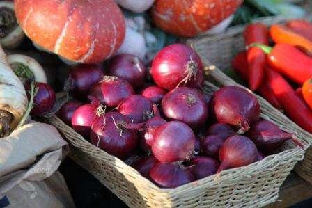 По праву одним из лучших красных сортов считается лук Ред Барон — описание сорта, фото, отзывы и особенности агротехники предоставлены ниже.