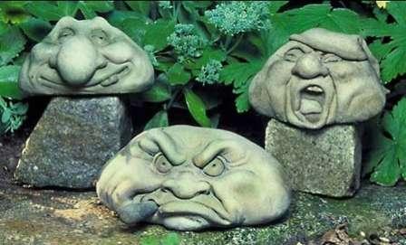 Прекрасная возможность экономного и уникального оформления участка — ваять садовые скульптуры своими руками.