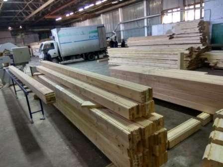 Для сооружения стен понадобится 80 брусьев, 40 из которых имеют длину 6 м, а остальные — 4 м.