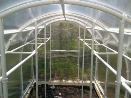 Сегодня наш фермерский сайт поведает вам обо всех особенностях возведения подобных конструкций на даче.