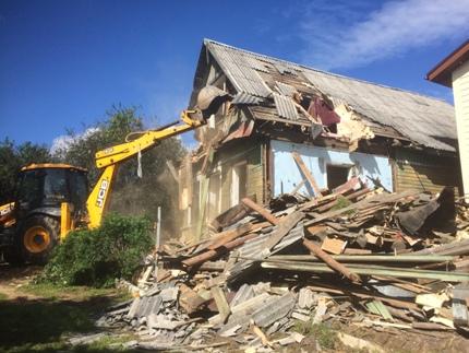 Демонтаж стен дома на даче: этапы и особенности выполнения демонтажных работ