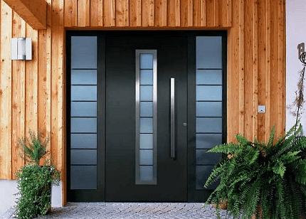 Современные входные двери: разновидности и сравнение