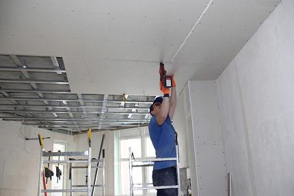 Самостоятельный монтаж гипсокартона на потолок