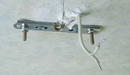Установка потолочной люстры: правила и основные этапы