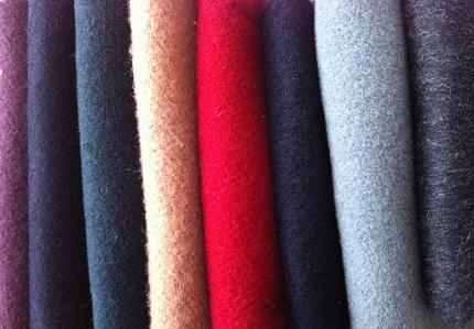 Как выбрать материал для пошива верхней одежды: основные требования и советы по выбору