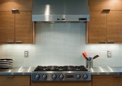 Розетка для вытяжки на кухню: разновидности, критерии и нюансы установки