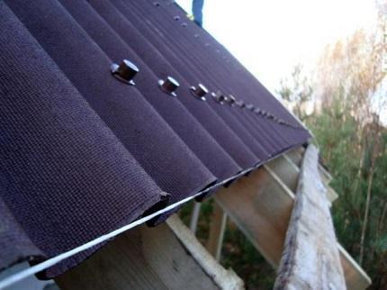 Профессионально кроем крышу ондулином и его достоинства