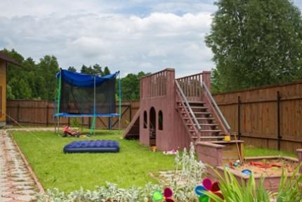 Детская площадка на даче своими руками: материалы, инструмент и этапы изготовления