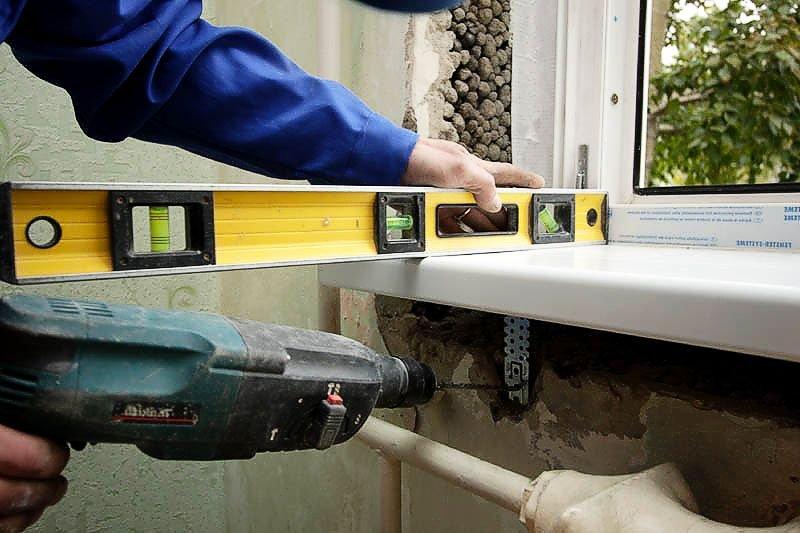 Монтаж подоконника пластикового окна: подробная инструкция