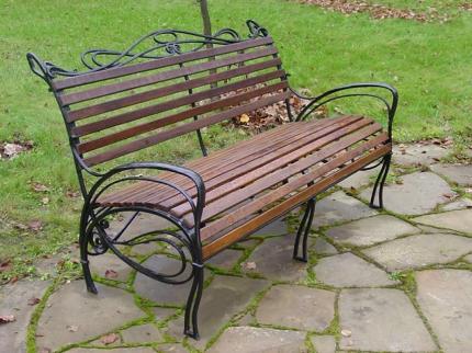 Выбираем скамейки для парков и скверов и советы