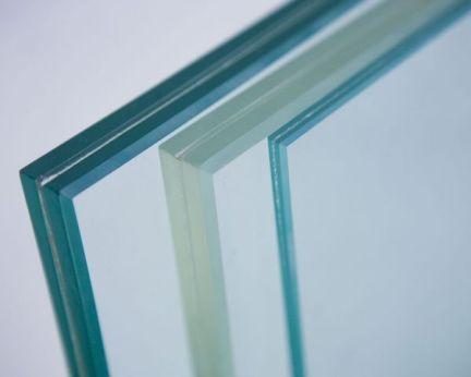 Треснуло стекло в стеклопакете: варианты решения проблемы