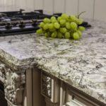 Столешницы из искусственного камня на кухне: материал и особенности изготовления