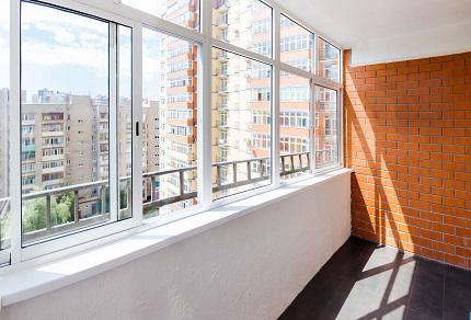 Теплое остекление балкона: достоинства, процесс и этапы работ