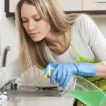 Уборка на кухне: критерии, последовательность действий и разновидности чистящих средств