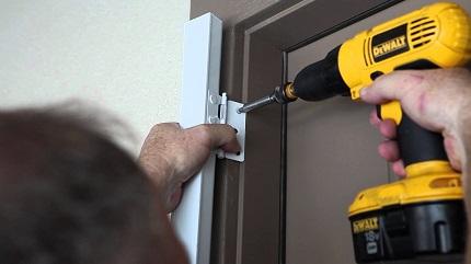 Как правильноустанавливатьвходные металлические двери: виды и особенности монтажа