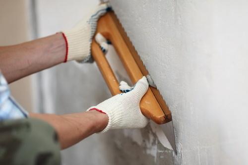 Выравнивание стен своими руками: основные моменты