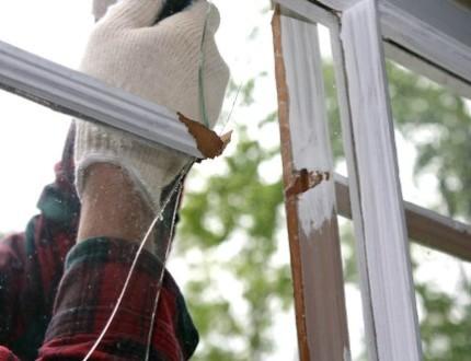 Замена стекол в деревянном окне своими руками: рекомендации резки, монтажа стекла и окрашивания рамы