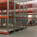 Практичность современных металлических складских стеллажей